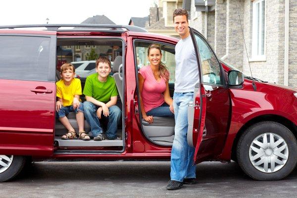 Egy bérelt egyterűben együtt utazhat az egész család
