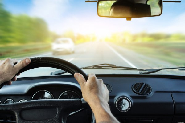 11 tipp a biztonságos vezetéshez