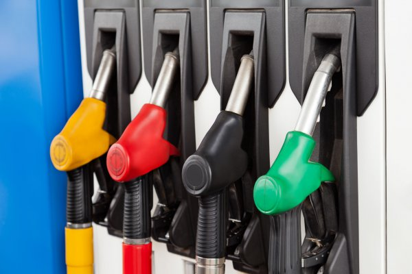 Hogyan tankoljuk a bérelt autót?