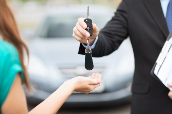 Öt hasznos tanács autóbérlés előtt állóknak