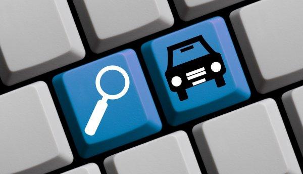 S.O.S. kellene bérelt autó? A neten keresgélj!