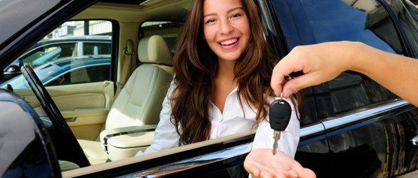 Nehéz helyzetekben segíthet a bérelt autó
