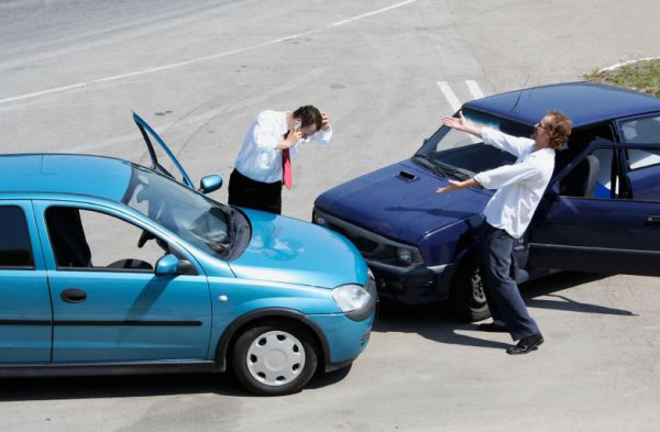 Mi a teendő, amennyiben balesetet szenvedtünk bérautónkkal?