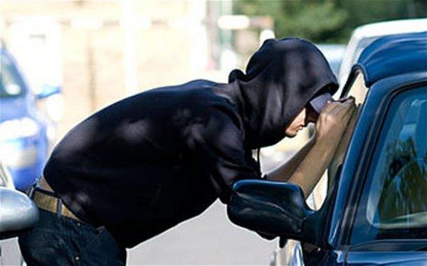 Hogyan védjem meg (bérelt) autómat a tolvajoktól?
